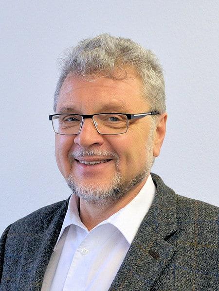 Dr. Rainer Pflaum